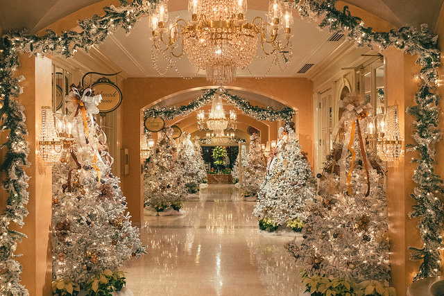 2016 best christmas decorations in new orleans for Top hotel decor